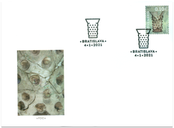 Úžitkové umenie na Slovensku: Gotický pohár s nálepmi z Bratislavy